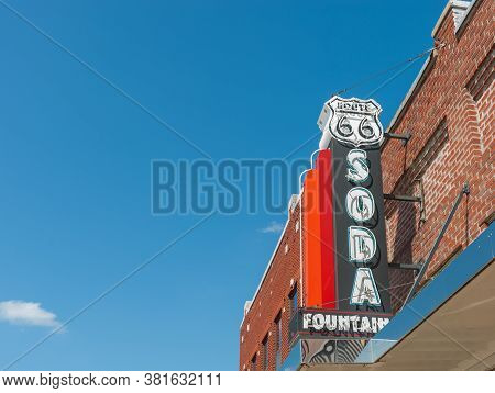 Baxter Springs Usa - September 7 2015; Retro Sign,route 66 Soda Fountain   Learning Center Neon Sign