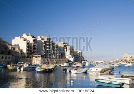 St. Julian\\\'S Harbor Malta Overdevelopment Construction