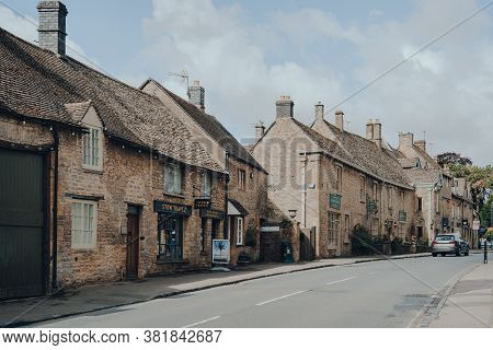 Stow-on-the-wold, Uk - July 10, 2020: Row Of Local Shops On The Main Street In Stow-on-the-wold, A M