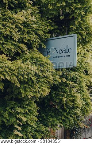 Stow-on-the-wold, Uk - July 10, 2020: Sign Outside Jaffe & Neale Bookshop Nested In The Climber Plan