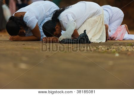 Vesak Full Moon Poya Day Sri Lanka Women Praying