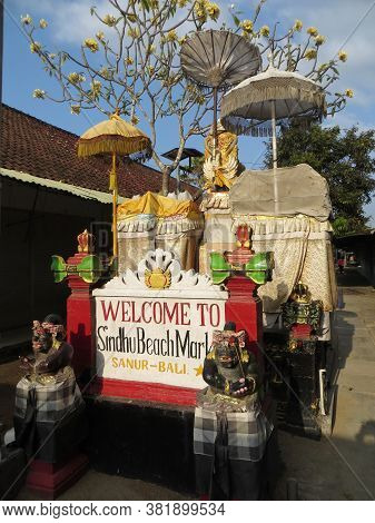 Denpasar, Indonesia - September 21, 2019: Welcome Statue Of Sindhu Beach Market In Sanur Area.