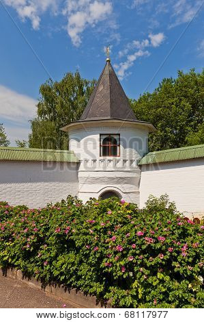 Tower (1689) Of St Boris And Gleb Monastery In Dmitrov, Russia