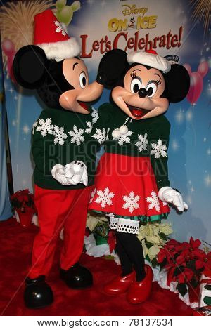 LOS ANGELES - DEC 11:  Mickey Mouse, Minnie Mouse at the