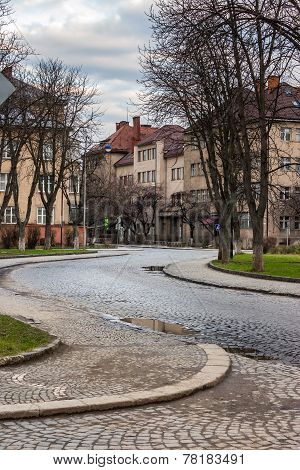 Paving Winds Through Old Town