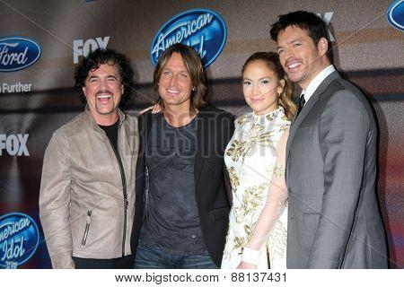 LOS ANGELES - MAR 11: Scott Borchetta, Keith Urban, Jennifer Lopez, Harry Connick Jr. at the