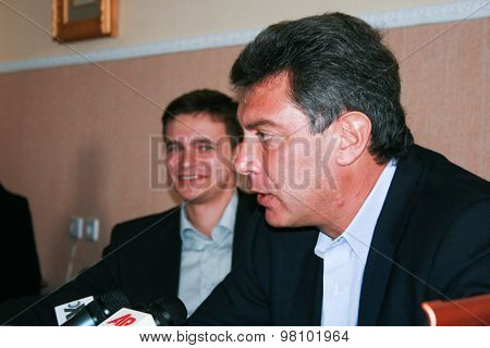 Politicians Boris Nemtsov And Ilya Yashin Announce The Fight In The Elections For The Post Of Mayor