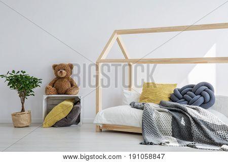 Brilliant idea for fun kids bedroom in scandi style