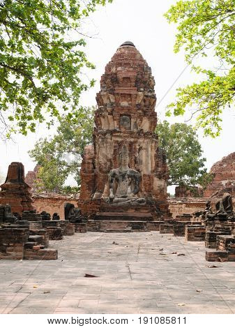 Old Beautiful Thai Temple wat Mahathat in Ayutthaya Historical Park, Thailand