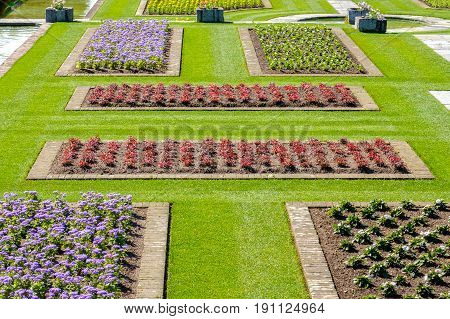 italian gardens ideas flowerbeds above view flowerbeds