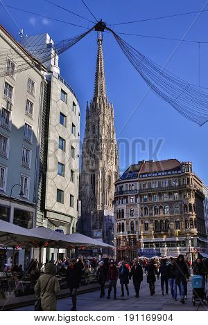 PRAGUE CZECH REPUBLIC - SEPTEMBER 28, 2015: Tourists near St. Vitus Cathedral