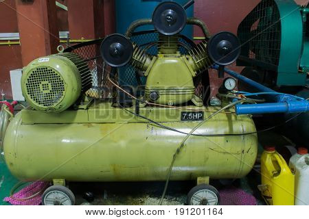 Triple Cylinder Reciprocating Air Compressors on Industry
