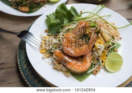 Food series: Pad thai, famous Thai food