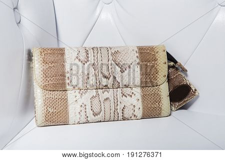 new modern hand bag for еvening outings