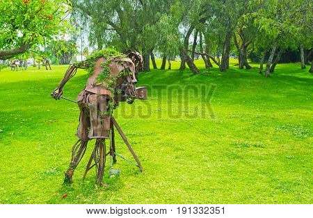 The Sculpture Of The Cameraman