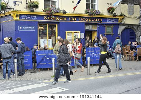 Latin Quarter, Galway, Ireland June 2017,  Tigh Neachtain Irish Traditional Bar Since 1894, Main Ent