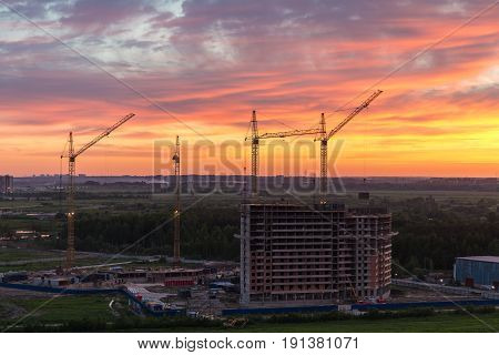 Construction of a new house in the suburbs of Sankt-Peterburg Murino