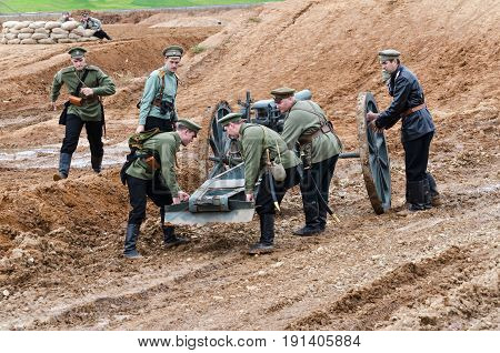 Brusilovsky breakthrough, the historic festival the First world war, Moscow, 2 Oct 2016. Russian soldiers, artillery and cannon.