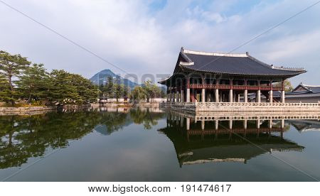 Gyeonghoeru Pavilion or Royal Banquet Hall the famous place in Gyeongbokgung Palace which is the popular for tourist attraction in Seoul South Korea