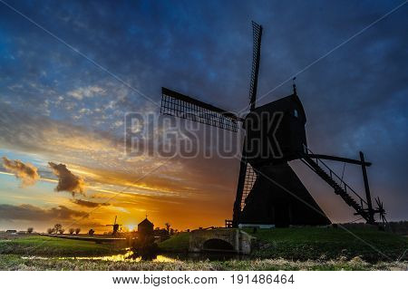 Windmills at the Nieuw Hollandse Waterlinie near Werkendam