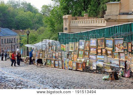 KIEV, UKRAINE - MAY 1, 2011: This is a spontaneous art market on Andreevsky Descent which is the oldest street connecting the Upper Town with the commercial Podil.
