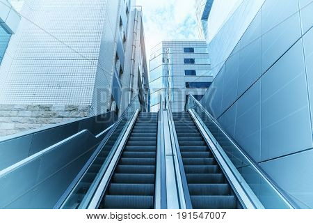 Handrail elevator in the office building