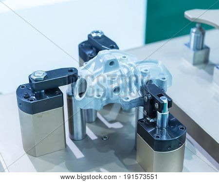 robot grinding machine car part industrial manufacture factory