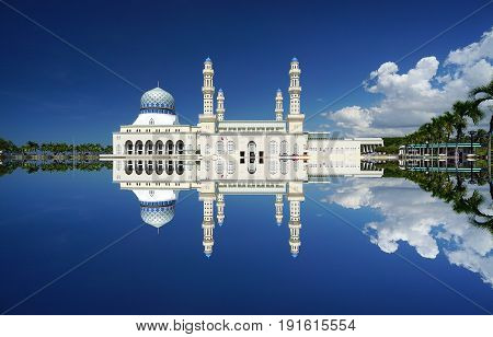 Kota Kinabalu mosque, famous landmark in Kota Kinabalu, Sabah Borneo, Malaysia.