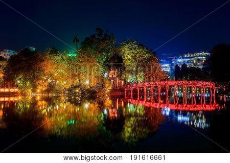 Night View Of The Hoan Kiem Lake Lake Of The Returned Sword