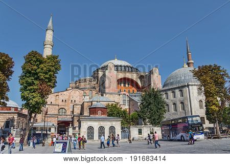 ISTANBUL, TURKEY - SEPTEMBER 29: Hagia Sophia mosque with tourists in front on September 29, 2011 in Istanbul.