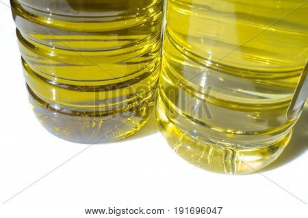 Olive versus sunflower oil bottled in PET. Lower view
