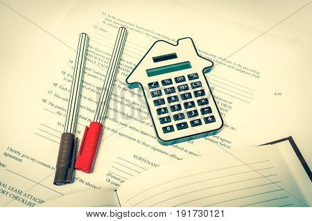 Calculator And Contract - Seal, Purchase And Investment