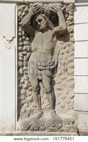 The decoration of facades - Hercules Ploskovice castle