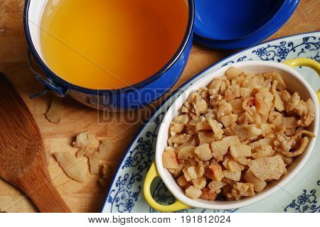 healthy fat, pork oil and crispy fried lard,good for health