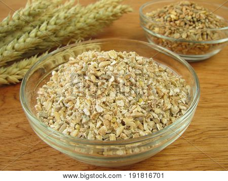 Whole meal grains an groats in bowl