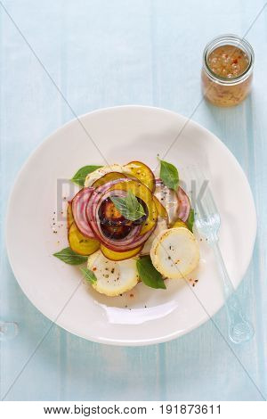 Goat's cheese and beetroot salad with vinaigrette