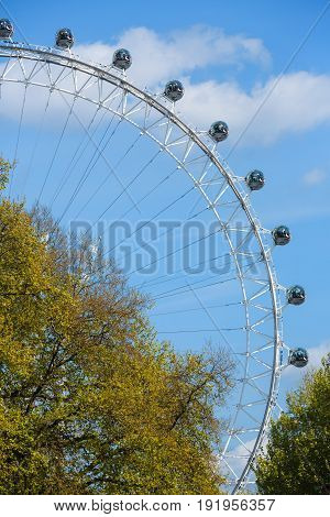 London Eye Is A Giant Ferris Whee