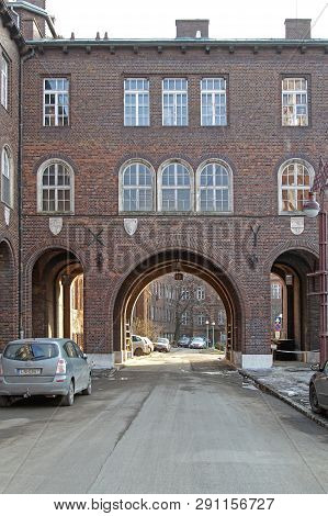 Szeged, Hungary - March 11, 2011: Arch Way Street At Famous Dom Square In Szeged, Hungary.