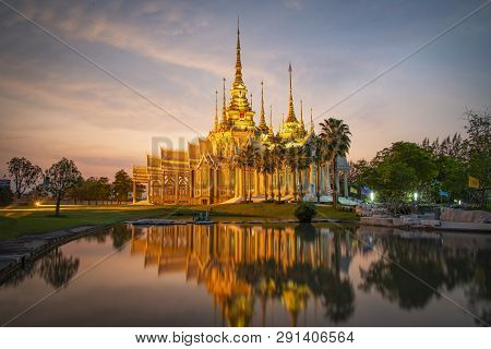 Beautiful Temple Thailand Dramatic Colorful Sky Twilight Sunset Shadow On Water Reflection - Landmar
