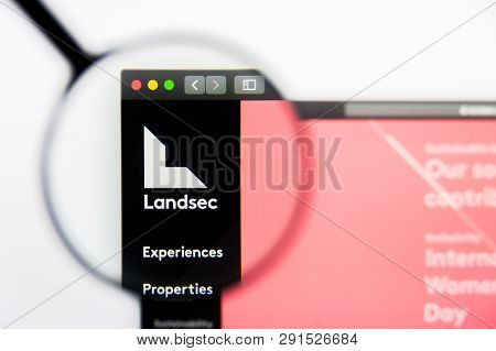 Los Angeles, California, Usa - 25 March 2019: Illustrative Editorial Of Land Securities Group Websit