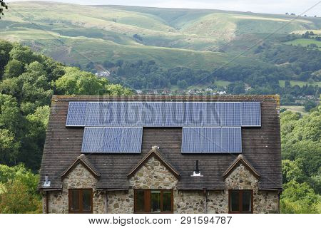 Solar Panels On Roof Of House Uk