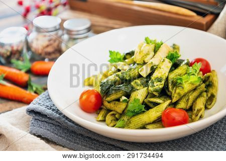 penne with chicken sauce Pesto