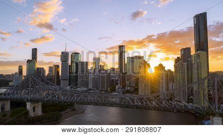 Brisbane, Australia - February 22 2019: Colourful Sunset Over Brisbane Cityscape With The Story Brid