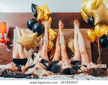Bff Hangout. Urban Girls Leisure And Lifestyle. Glitter Confetti. Friendship. Young Women In Black L