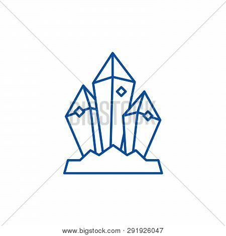 Mineral Treasure Line Icon Concept. Mineral Treasure Flat  Vector Symbol, Sign, Outline Illustration