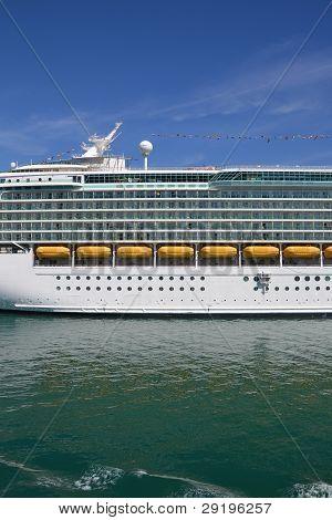 Cruise liner Navigator of the Seas