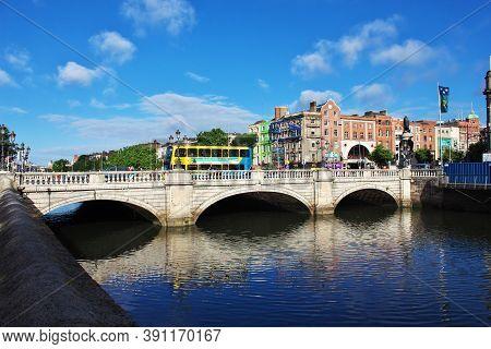 Dublin, Ireland - 03 Aug 2013: The Bridge In The Center Of Dublin, Ireland