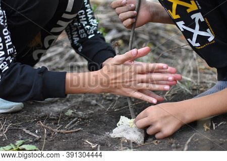Survival Skills In Wild For Children. Lessons From Tourism And Survival In Nature. Children Make Fir