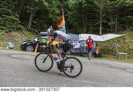 Le Bourget-du-lac, France - July 9, 2017: The Australian Cyclists Michael Matthews Of Team Sunweb Ri