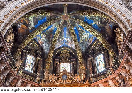 Valencia, Spain - June 2018: Interiors Of Valencia Cathedral